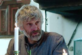 Kolla in filmen när Thomas Wassberg tillsammans med flera svenska skidlegendarer överraskar fyra skidåkare i Mora.