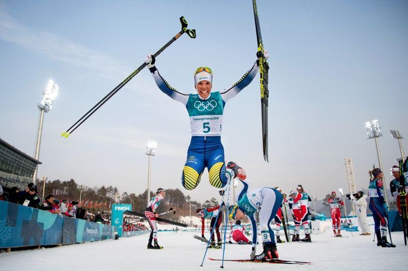 Segerhopp och OS-guld i Sydkorea för Charlotte Kalla. FOTO: Joel Marklund/Bildbyrån.