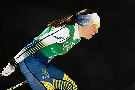 Charlotte Kalla åkte tillbaka Sverige i guldmatchen med suverän andrasträcka. FOTO: Joel Marklund/Bildbyrån.