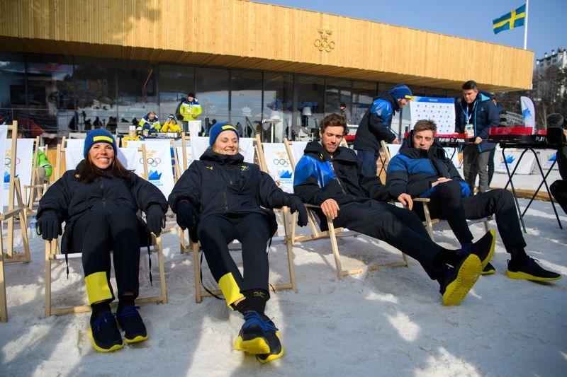 En avsklappnad kvartett inför morgondagens sprintstafett: Charlotte Kalla, Stina Nilsson, Marcus Hellner och Calle Halfvarsson. FOTO: Carl Sandin/Bildbyrån.