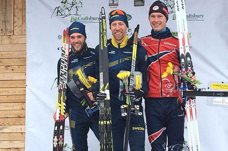 Det blev en svensk dubbel på världscupen i skidorientering i USA. Till vänster IFK Moras Linus Rapp somblev tvåa och i mitten segraren Erik Rost, Alfta-Ösa. Trea blev norrmannen Jörgen Madslien. FOTO: Klaus Csucs.