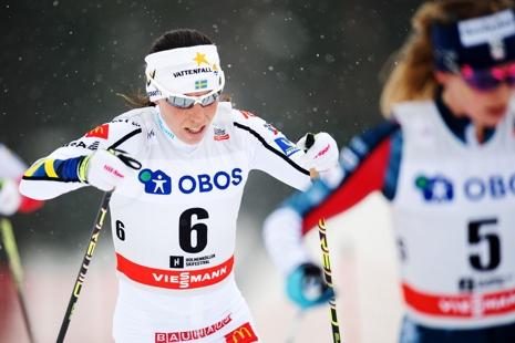 Charlotte Kalla åkte starkt med fick nöjda sig med fjärde plats. FOTO: Jon Olav Nesvold/Bildbyrån.