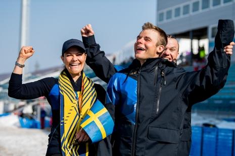 Zebastian kunde fira silvermedaljen tillsammans med kronprinsessan Victoria och ledsagaren Robin Bryntesson. FOTO: Vegard Viwestad Grött/Bildbyrån.