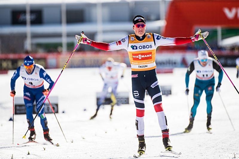 Johannes Hösflot Kläbo defilerade till seger i världscupsprinten i Falun. FOTO: Simon Hastegård/Bildbyrån.