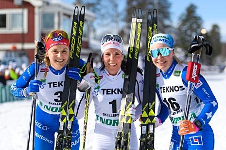 Medaljtrion: Stina Nilsson, IFK Mora SK, silver, Charlotte Kalla, Piteå Elit, guld och Jonna Sundling IFK Umeå, brons. FOTO: Carl Sandin/Bildbyrån.