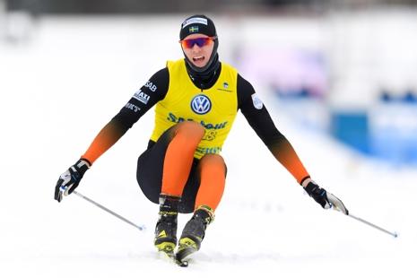 Oskar Svensson klämde ut alla krafter på sista varvet och fixade SM-silver 1,8 sekunder före Daniel Rickardsson. FOTO: Carl Sandin/Bildbyrån.