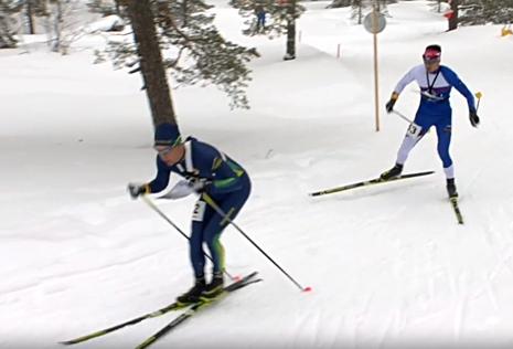 Här är Erik Rost före Andrey Lamov. I mål var rollerna de ombytta. FOTO: Från SVT:s sändning.