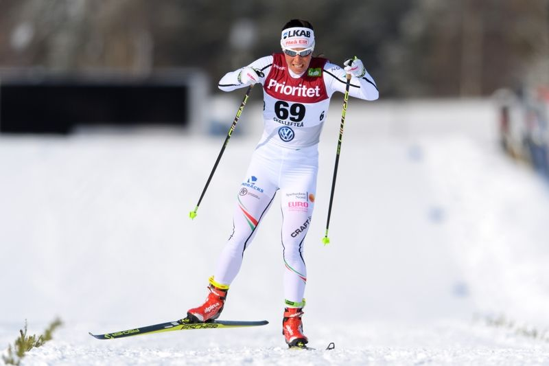 Charlotte Kalla på väg mot sitt 27:e individuella SM-guld. FOTO: Carl Sandin/Bildbyrån.