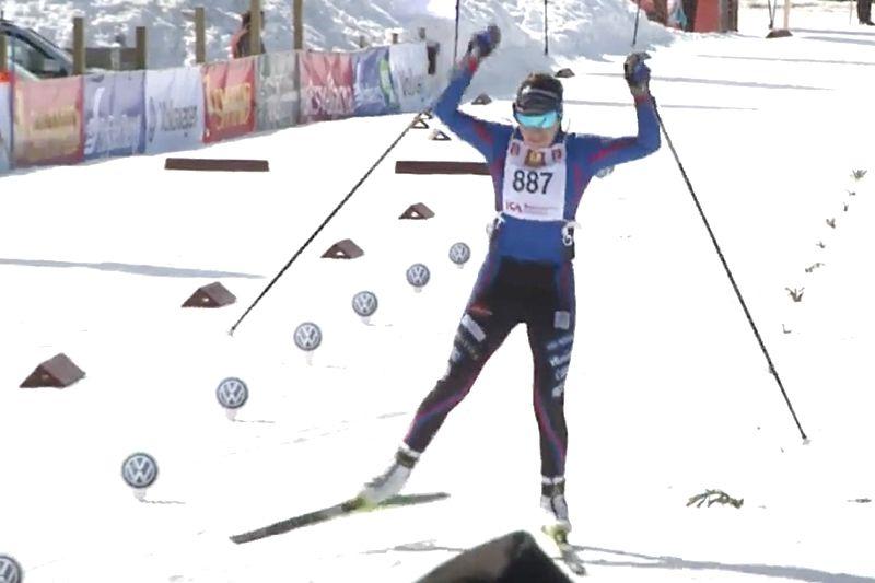 Ebba Andersson solovann Fjälltopploppet och var nästan fem minuter före Stina Nilsson. FOTO: Från arrangörens webbsändning.