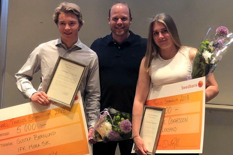 Gustaf Berglund och Sofie Oskarsson tillsammans med stipendieutdelaren Daniel Tynell. FOTO: teamtynell.se.