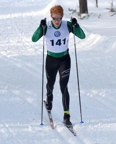 Gustav Aflodal byter Sundbybergs grön-svarta dräkt mot Offerdals svart-vita.