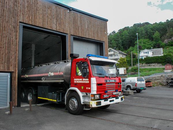 Eigersund brann og redning fyller vannvogn hos NSB