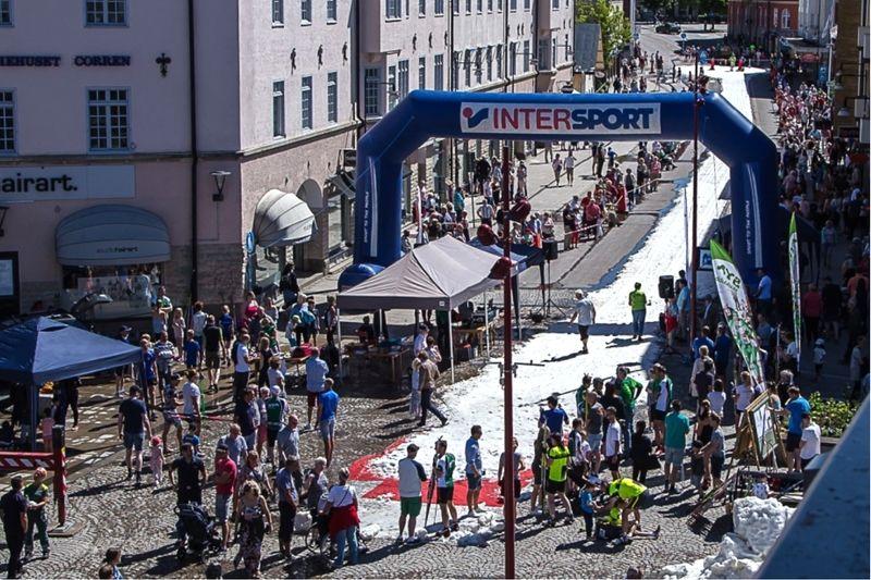 För tredje året i rad arrangerar Sya SK Nationaldagssprinten i Mjölby centrum. FOTO: Sya SK.