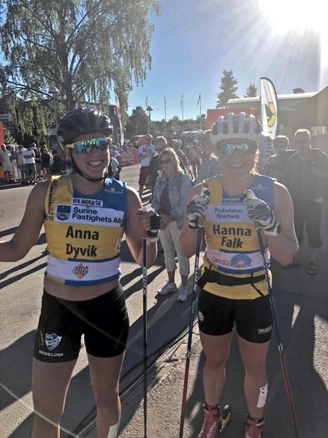 Anna Dyvik och Hanna Falk sken ikapp med solen i Sunne. FOTO: Tomas Bredberg.