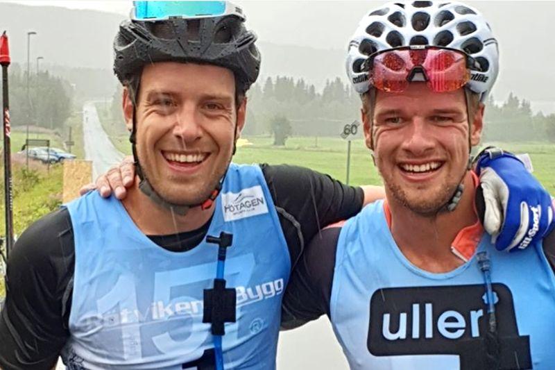 Anton Karlsson, till vänster, slog Oskar Kardin med sex tiondelar efter 42 kilometer rullskidåkning i Vaajmarathon. FOTO: tfvcoaching.