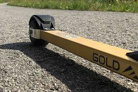Gold Ski rullskidor från NQ Sport tillverkas i Norge men har svensktillverkade hjul. Längd.se har testat skidan under sommaren. FOTO: NQ Sport.