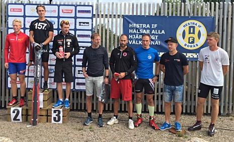 De åtta snabbaste i herrklassen. Från vänster: Alfred Buskqvist, Marcus Johansson, Markus Jönsson, Mattias Bryntesson, Robert Brundin, Johan Kanto, Lasse Ericsson, Jonathan Engström. FOTO: Hestra IF.