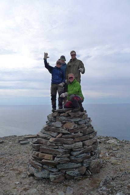 Asbjørn, Joakim, Trevor og Elias som bygde varden