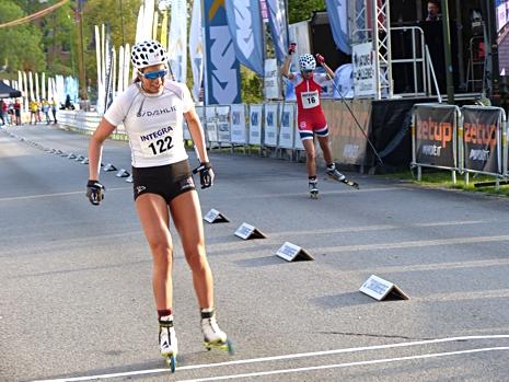 Damjuniorfinalen vann Kristine Stavås mot Karianne Olsvik Dengerud. FOTO: Johan Trygg/Längd.se.