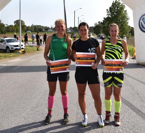Dampallen i UVK-rullen. Fr.v. Malin Börjesjö, Britta Johansson Norgren och Jenni Ehn Gårdhage. FOTO: UVK - Gun-Mari Lindkvist.