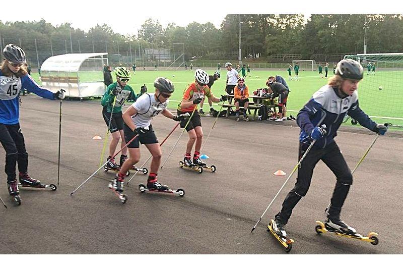"""22 september är det dags för att kora Stockholms snabbaste rullskidåkare vid nya tävlingen Dagges Dubbel. På bilden ser vi Dag """"Dagge"""" Svensson själv i front."""