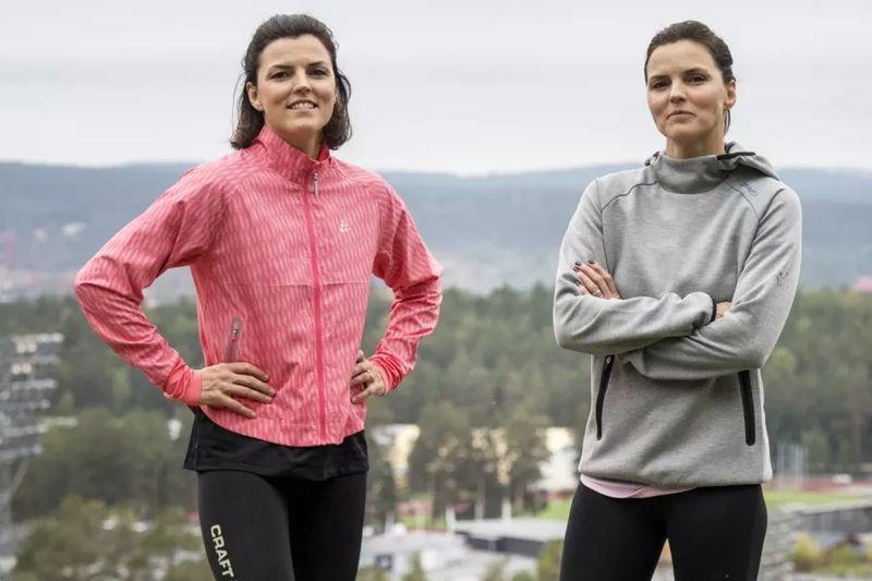Jenny och Susanna Kallur laddar för en start i Tjejvasan i vinter. FOTO: Vasaloppet.