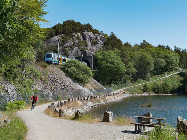 Turvei til Mauholen, Hellvik
