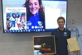 Moa Lundgren och Gustaf Berglund tilldeladesMora-Nisse stipendiet i Hemusgården, Mora på torsdagskvällen. Moa var med via Skype och Gustaf var på plats.