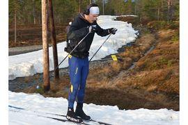 A-landslagets yngste herråkare Viktor Thorn kommer väl förberedd till VM-säsongen. I helgen har han tränat på snö i Idre. FOTO: Johan Trygg/Längd.se.
