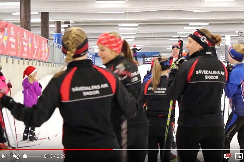 Om en månad blir filmen om hur det är att vara juniorskidåkare i Göteborg klar. Det är Sävedalens AIK Skidor som gör filmen och Emma Ravakko, som är junior själv, har filmen som sitt gymnasiearbete.