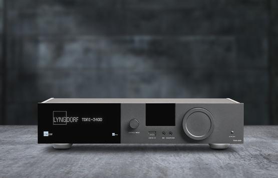 Lyngdorf TDAI-3400 front 2 studio