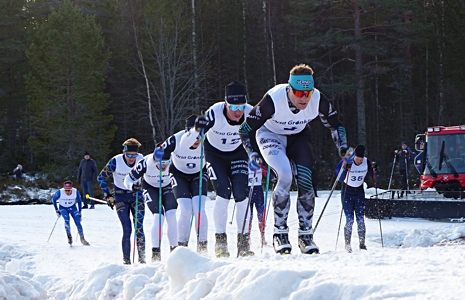Team Sernkes Jimmie Johnsson var dragvillig men fick det tufft mot sina gamla lagkompisar i Lager 157 Ski Team. FOTO: Johan Trygg/Längd.se.