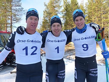 Topptrion. Fr.v. trean Emil Persson, ettan Anton Karlsson och tvåan Andreas Holmberg. FOTO: Johan Trygg/Längd.se.