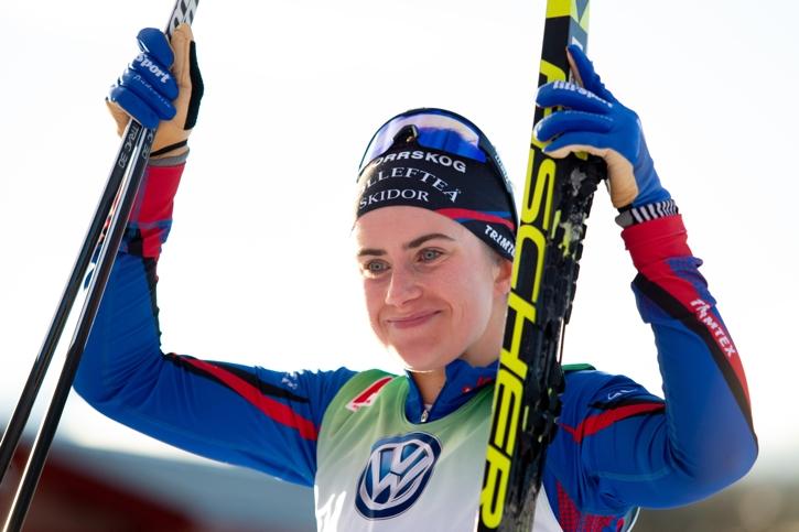 En nöjd Ebba efter målgång. FOTO: Johan Axelsson/Bildbyrån.