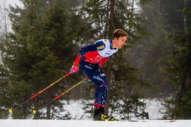 Didrik Tönseth på väg mot seger i norska premiären i Beitostölen. FOTO: Vegard Wivestad Grött/Bildbyrån.