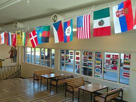 Flagg på Husabø skole