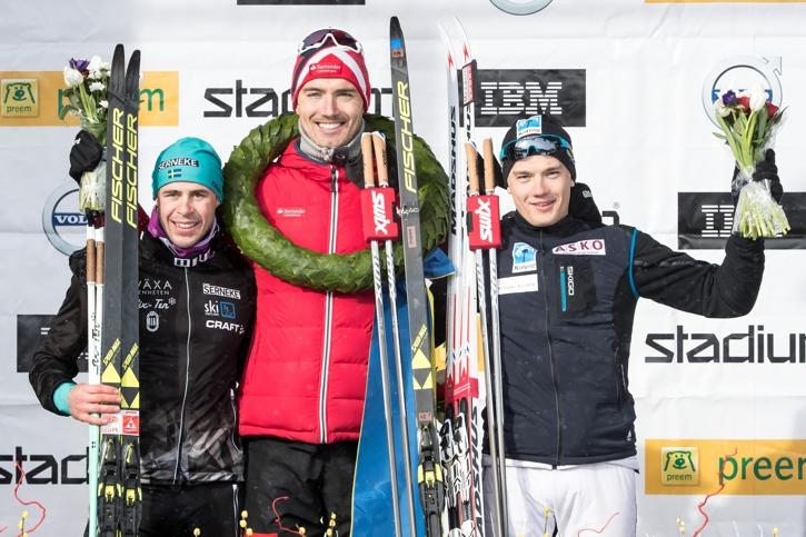 Bob tillsammans med Vasaloppsvinnaren Andreas Nygaard och trean Stian Hoelgaard. FOTO: Daniel Eriksson/Bildbyrån.