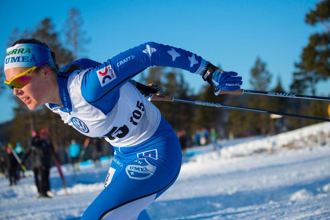 Elina Rönnlund vann 10 kilometer fristil vid Volkswagen cup i Idre. Här är Elina under lördagens sprint. FOTO: Patrick Trägårdh.