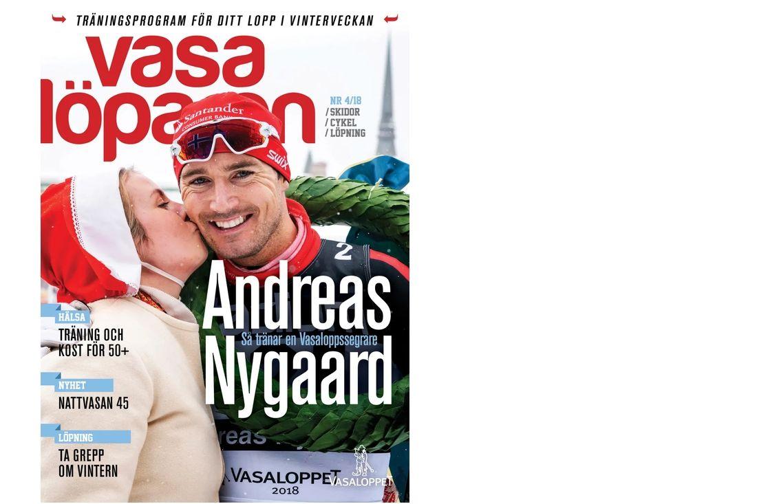 Andreas Nygaard är omslagspojke på kommande nummer av Vasalöparen. Här får han segerkyssen av kranskullan Sara Wadman. FOTO: Vasaloppet.