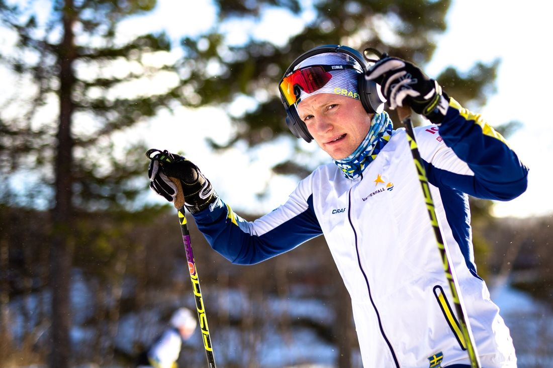 Björn Sandström tar plats i det svenska världscuplaget till Lillehammer. Här är Björn under träning i Bruksvallarna häromveckan. FOTO: Johan Axelsson/Bildbyrån.