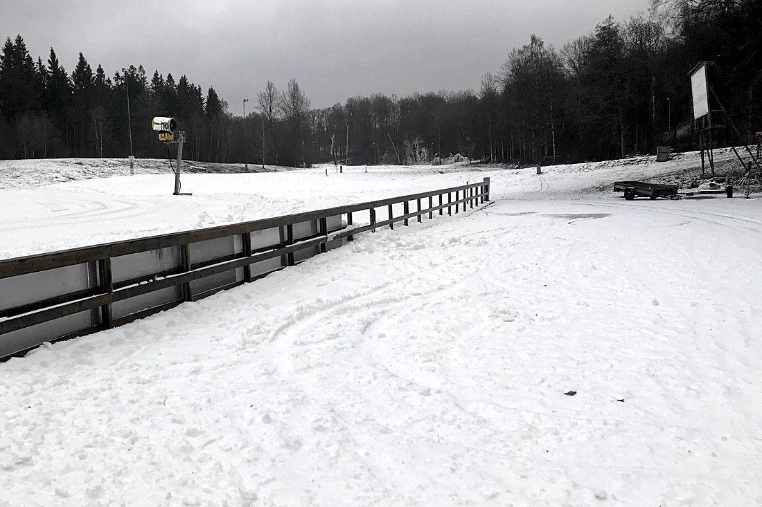 Borås skidstadion har 1,3 kilometer spår med en meter tjockt snötäcke.
