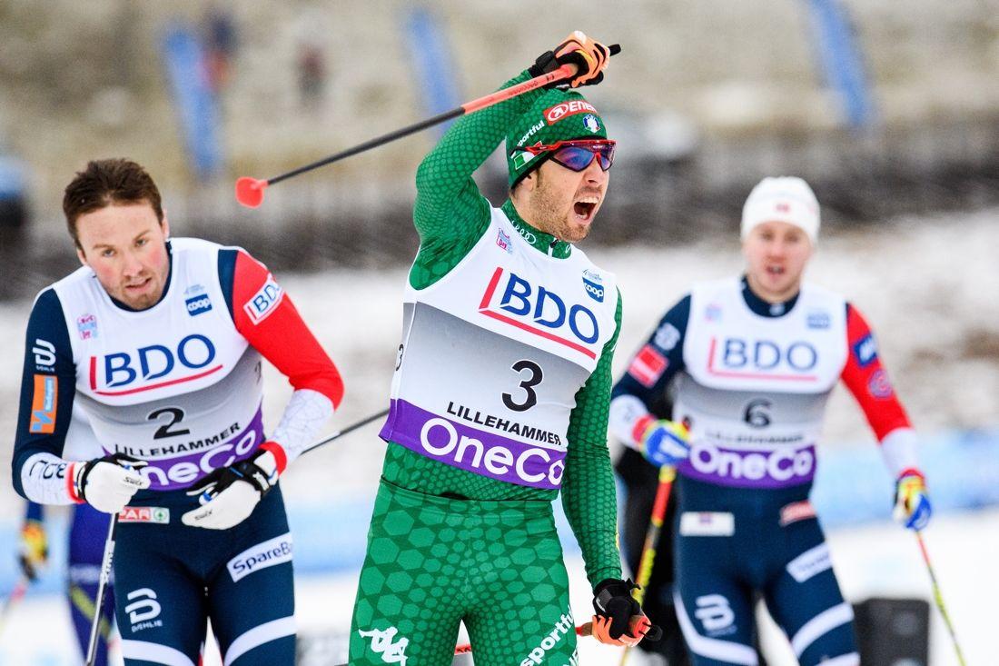 Federico Pellegrino ropar ut sin glädje över sprintsegern i Lillehammer närmast före Emil Iversen, till vänster i bild. FOTO: Jon Olav Nesvold/Bildbyrån.
