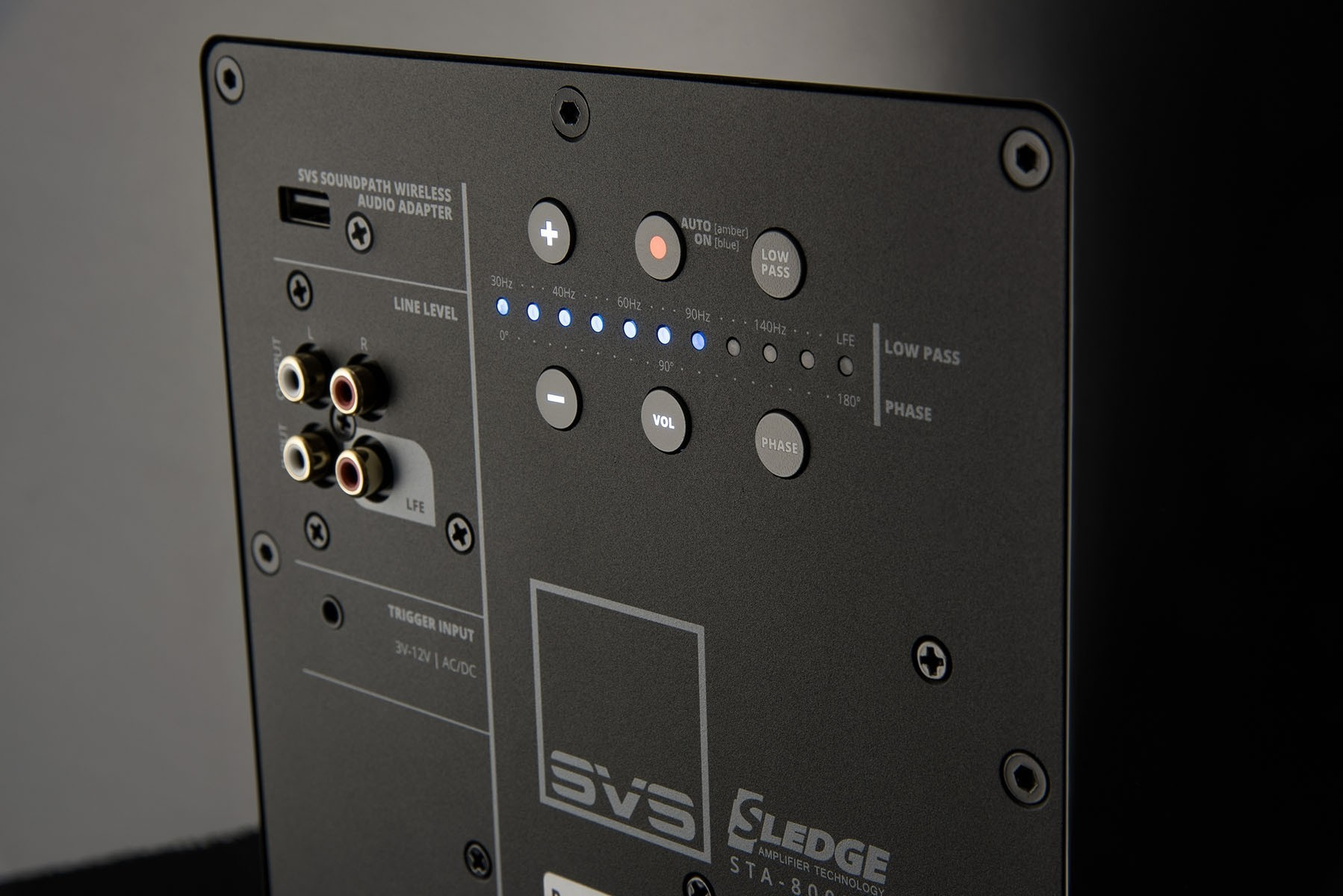 3000_series_amp_detail_1.jpg