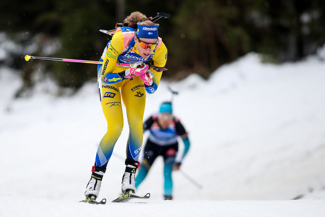 Hanna Öberg på väg mot åttonde plats på 15 kilometer vid världscupen i Pokljuka FOTO: GEPA pictures/Matic Klansek.