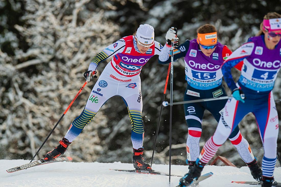 Sverige hade en tung dag på världscupstafetten i Norge. Ida Ingemarsdotter gjorde dock den stark slutsträcka och förde laget till sjätte plats. FOTO: Jon Olav Nesvold/Bildbyrån.