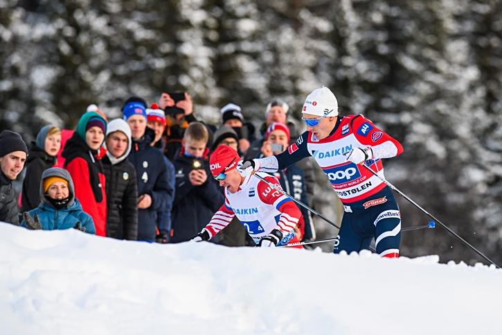 Finn Hågen Krogh i kamp med Andrey Melnichenko på slutsträckan där Krogh avgjorde på upploppet till Norges fördel. FOTO: Jon Olav Nesvold/Bildbyrån.