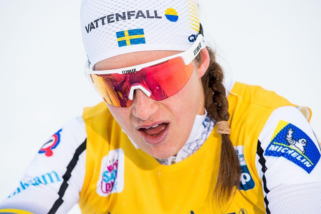 Ebba Andersson tog en ny fjärdeplats i världscupen vid dagens 10 kilometer skejt i Davos. FOTO: Jon Olav Nesvold/Bildbyrån.
