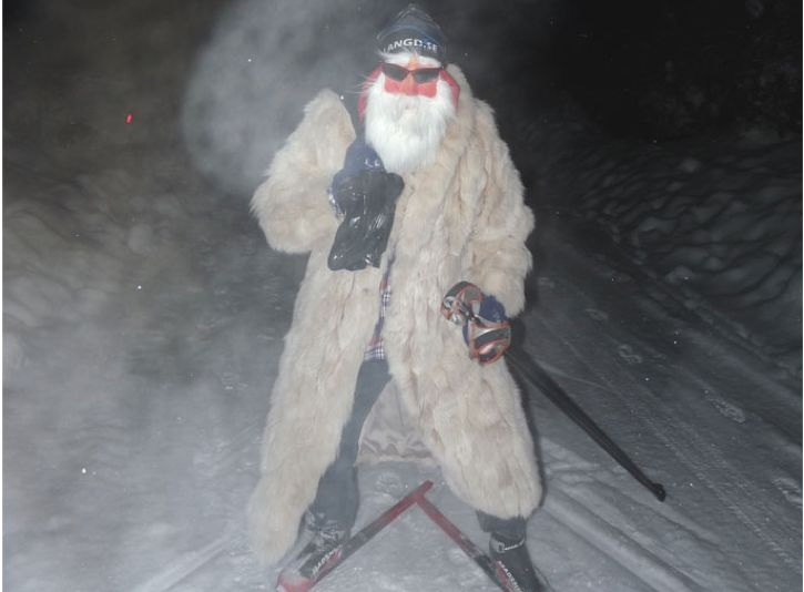 Längd.se-tomten hälsar God Jul och Gott Nytt År till alla skidåkare och skidälskare runt om i landet