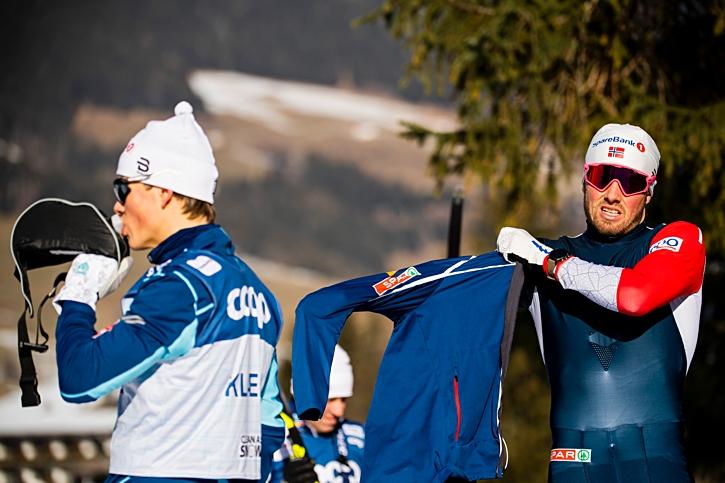 Johannes Hösflot Kläbo och Emil Iversen under fredagens träning inför Tour de Ski-starten i morgon. Två åkare som är bra både på sprint och distans och därför åkare för toppstriden. FOTO: Fredrik Varfjell/Bildbyrån.