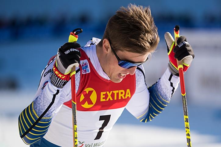 Calle Halfvarsson var besviken efter sprinten men har alla chanser att avancera från sin tiondeplats i totalen i morgondagens jaktstart. FOTO: Fredrik Varfjell/Bildbyrån.